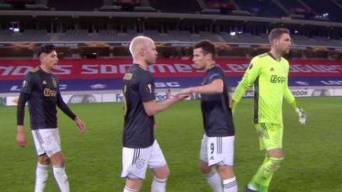 Con Edson en la cancha, el Ajax le remonta al Lille