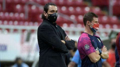 Chivas ya pone en venta autógrafos de sus futbolistas