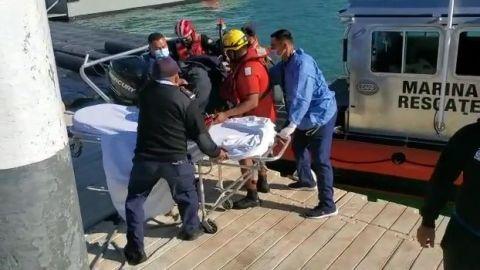 VIDEO: Rescatan de altamar a 30 personas