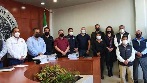 Gobierno de Ensenada hace entrega de mandos policiacos al municipio de SQ