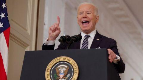 Todos los adultos podrán vacunarse a partir del 1 de mayo en EU, anuncia Biden