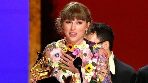 Taylor Swift gana Grammy a Álbum del Año; la primera mujer en recibirlo 3 veces