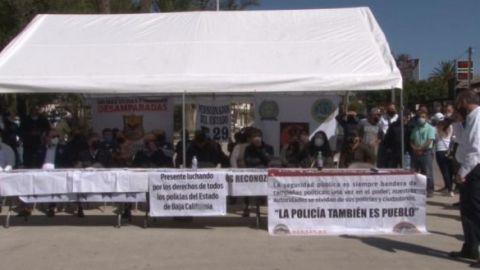 Protestan policías municipales de Tecate