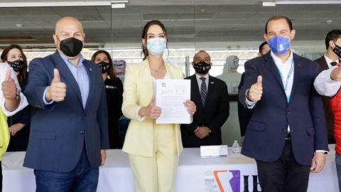 Acompañó Mario Cortez a registro de Lupita Jones como candidata a gubernatura