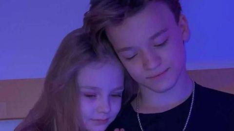 Influencer de 8 años presenta a su novio con polémica foto íntima