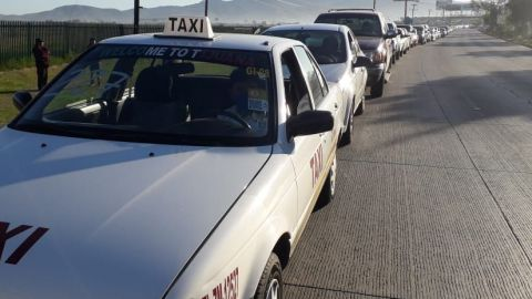 Taxista de Tijuana espero horas para recibir la vacuna COVID-19