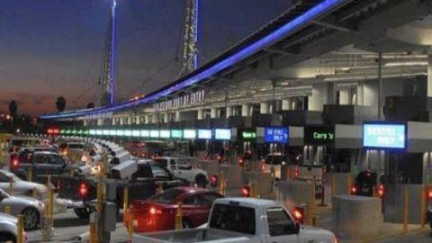 Extienden restricciones a cruces fronterizos no esenciales hasta el 21 de Abril