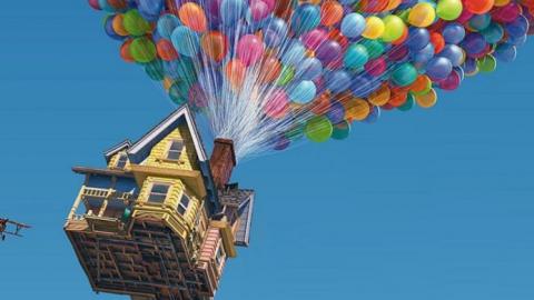 Hombre le construye casa a su hijo de siete años igual a la de 'UP'