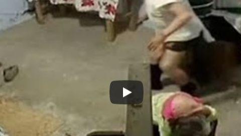 Hombre golpea brutalmente a pareja de viejitos para robarles lo poco que tenían