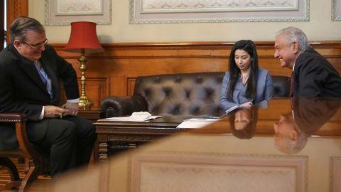 AMLO sostiene llamada con Kamala Harris sobre crisis migratoria