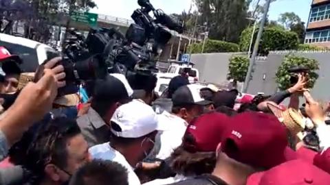 Protesta de Morena termina en 'bronca' frente a Tribunal Electoral
