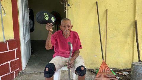 Mejoran condiciones de vida de abuelito en Veracruz... pero su pensión no llega