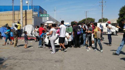 Migrantes continúan a la espera de obtención de asilo en Estados Unidos