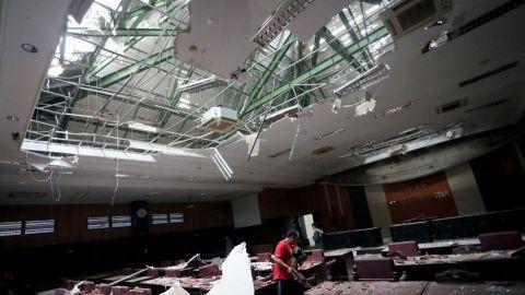 Sismo de magnitud 5.9 sacude Indonesia y deja al menos siete muertos