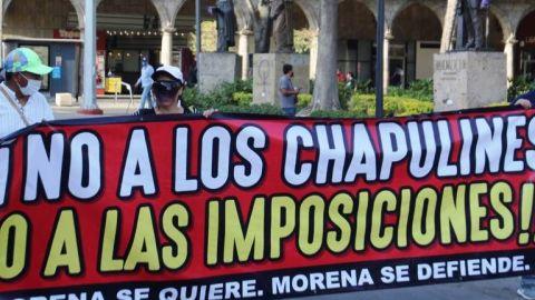 Marchan contra ''imposiciones'' de candidatos de Morena en Chiapas