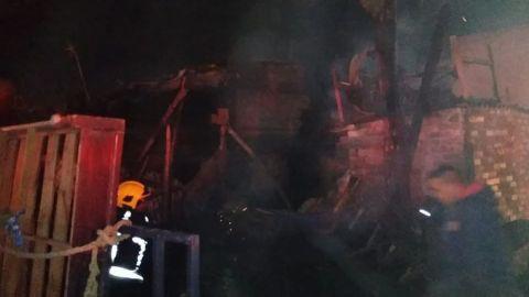 Trágico incendio deja 3 muertos y 4 heridos