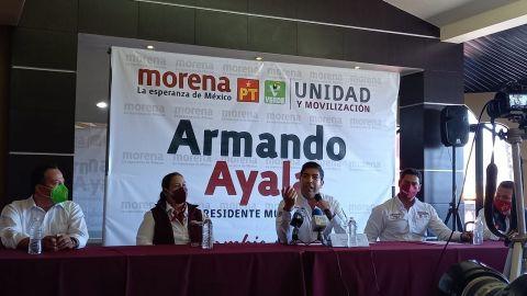 En espera de licencia Ayala Robles