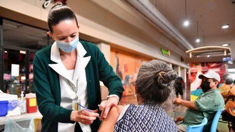 DIF Ensenada apoyará en registro para vacunación contra COVID-19