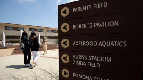Universidades en California exigirán la vacuna de COVID-19 para regreso a clases
