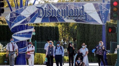 Reabren Disneyland en California tras 13 meses de cierre por pandemia