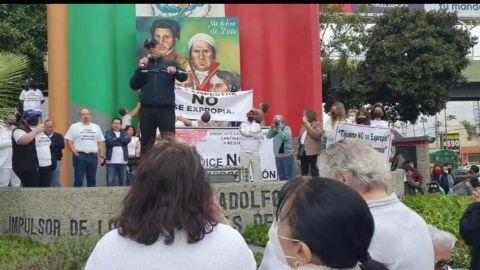 Al grito de ''No a la expropiación'' de manifiestan en Tijuana