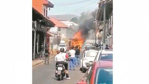 Sufren por cuerpos embolsados y bloqueos en Michoacán
