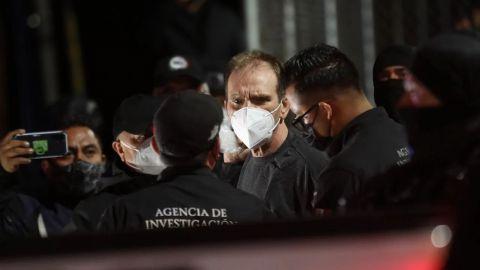''El Güero'' Palma sale del penal del Altiplano; aborda convoy de la FGR
