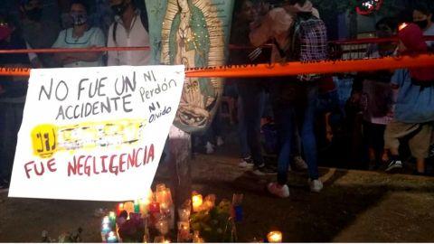 Colocan altar en memoria de las personas fallecidas en la Línea 12 del Metro