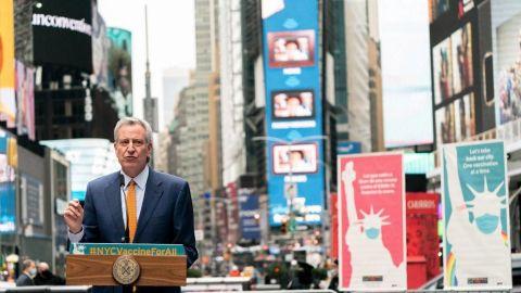 Vacunación gratis a turistas de Nueva York; Alcalde planea reactivar economía