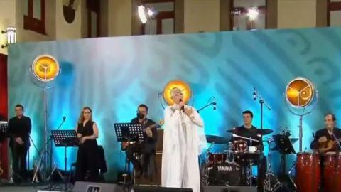 🎥 AMLO dedica festival musical con Eugenia León por el Día de las Madres