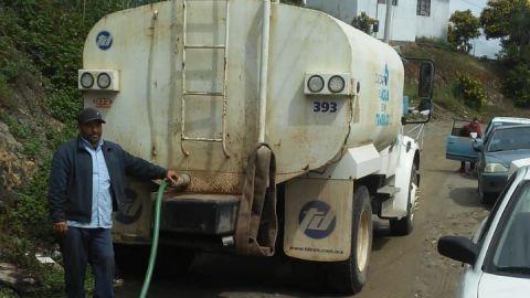 Sin llegar el agua a colonias de Ensenada