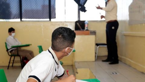 Para finales de mayo, SEP busca abrir mil 976 escuelas con clases presenciales