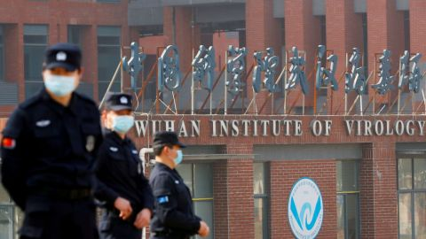 EEUU examina reportes de COVID-19 de Wuhan antes de que propagara por el mundo