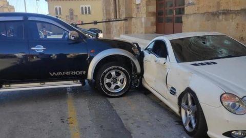 Policía destroza Mercedes de su jefe porque le pidió una evaluación psicológica