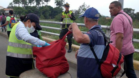 Colombia reabre frontera con Venezuela tras cierre de más de un año