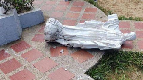 Muere niña tras caerle encima una figura del Sagrado Corazón de 150 kilos