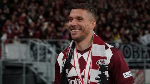Querétaro buscaría fichar a Lukas Podolski