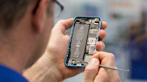 Técnicos de Apple distribuyeron fotos íntimas del iPhone de una mujer en EU
