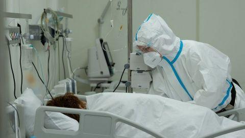 Muere dentista que tenía esquema de vacunación completo contra Covid-19 en NL