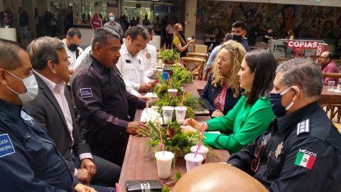Festejan a trabajadores del Ayuntamiento con motivo del día del Padre