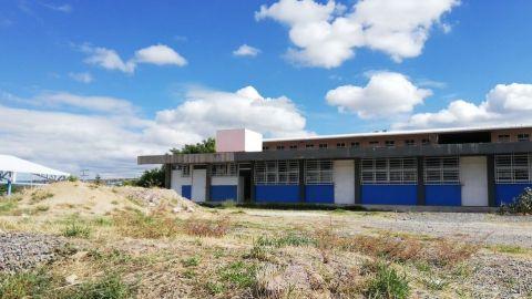 En León SEP y padres de familia trabajan juntos en reparar escuelas