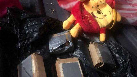 En Oaxaca, hallan cartuchos escondidos dentro de oso de peluche en autobús