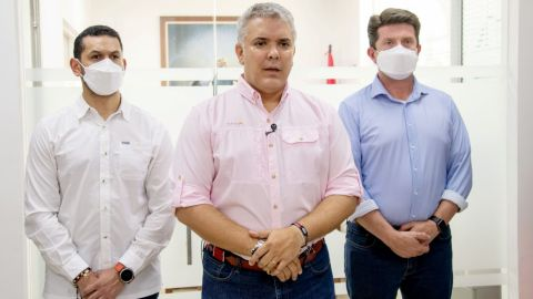 Atacan a tiros el helicóptero donde viajaba Iván Duque, presidente de Colombia