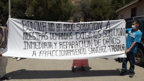 Manifestantes recibieron a López Obrador en Tijuana