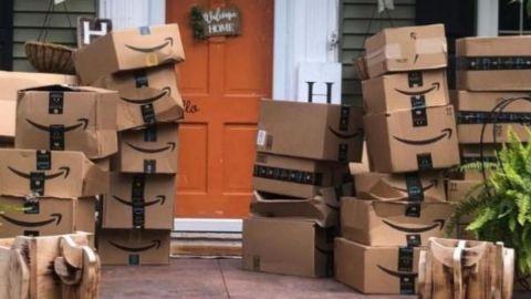 Recibió 150 paquetes de Amazon por error ¡No sabía qué hacer con todo eso!