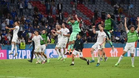Italia derrota 2-1 a Bélgica y avanza en las semifinales de la Euro