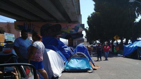 Migrantes en garita El Chaparral: Autoridades buscan estrategias para atenderlos