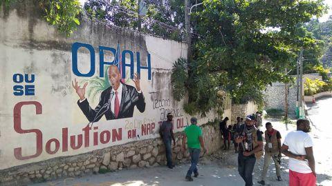 Policía se enfrenta con hombres que asesinaron a tiros a presidente Haití