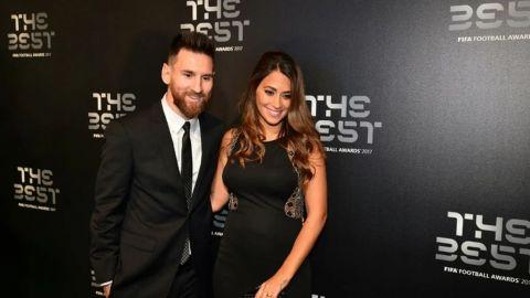 Lionel Messi y su emotivo reencuentro con Antonella al arribar a Argentina
