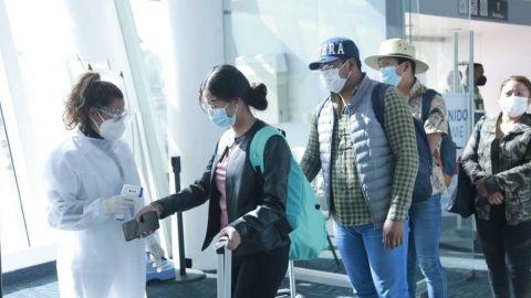EE.UU. pide a turistas reconsiderar su viaje a México ante tercera ola de COVID